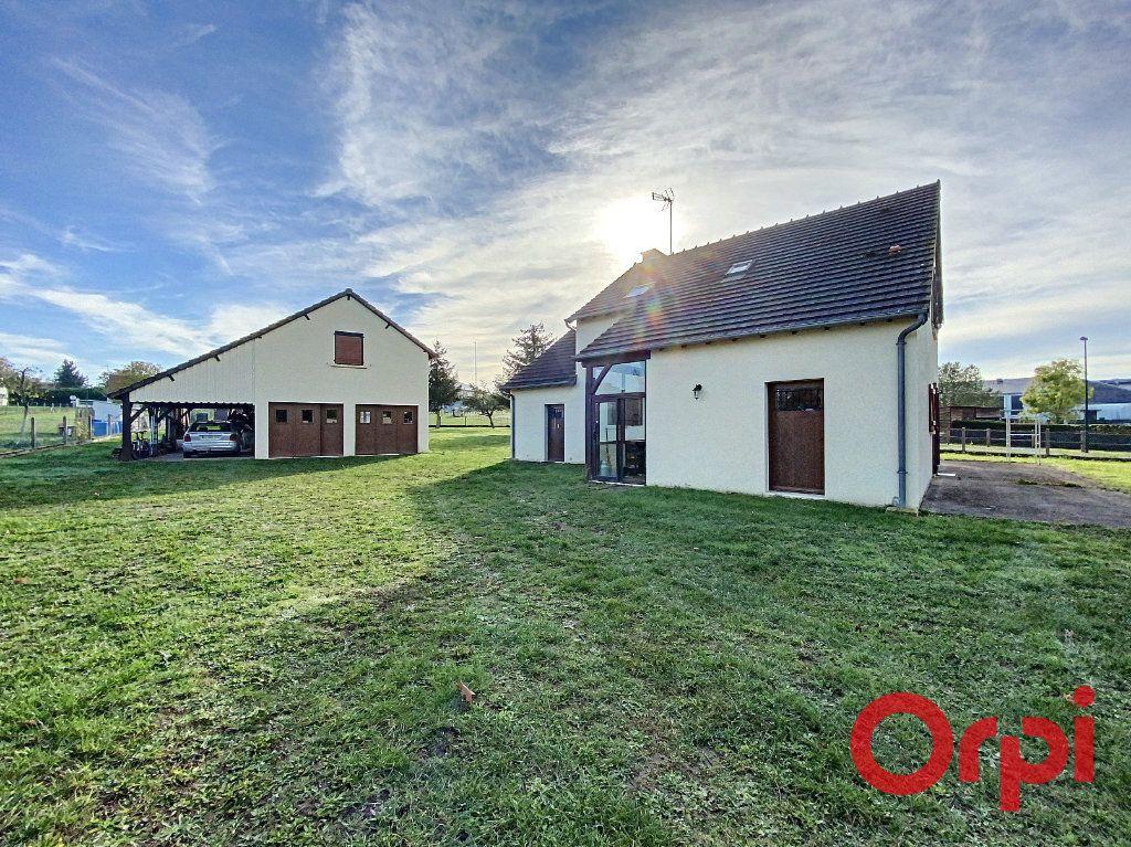 Maison à vendre 6 141.31m2 à Châteaumeillant vignette-13