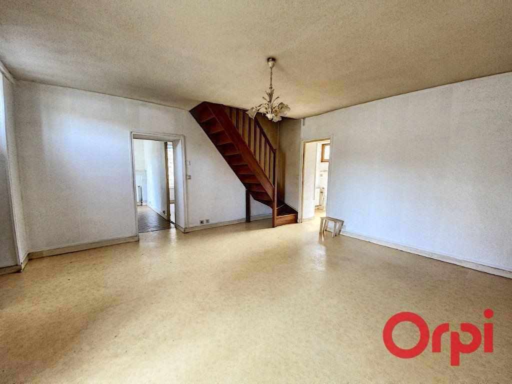 Maison à vendre 4 76m2 à Saint-Amand-Montrond vignette-2