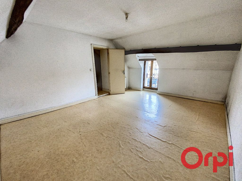 Maison à vendre 4 76m2 à Saint-Amand-Montrond vignette-5