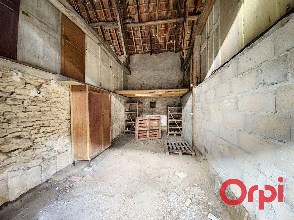 Maison à vendre 4 76m2 à Saint-Amand-Montrond vignette-10