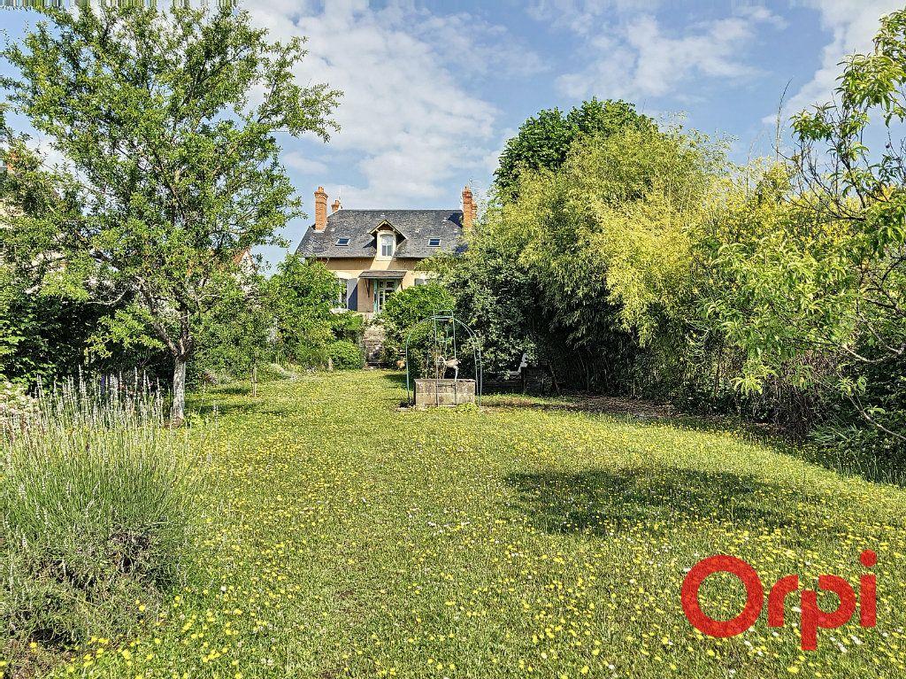Maison à vendre 7 139.3m2 à Orval vignette-1