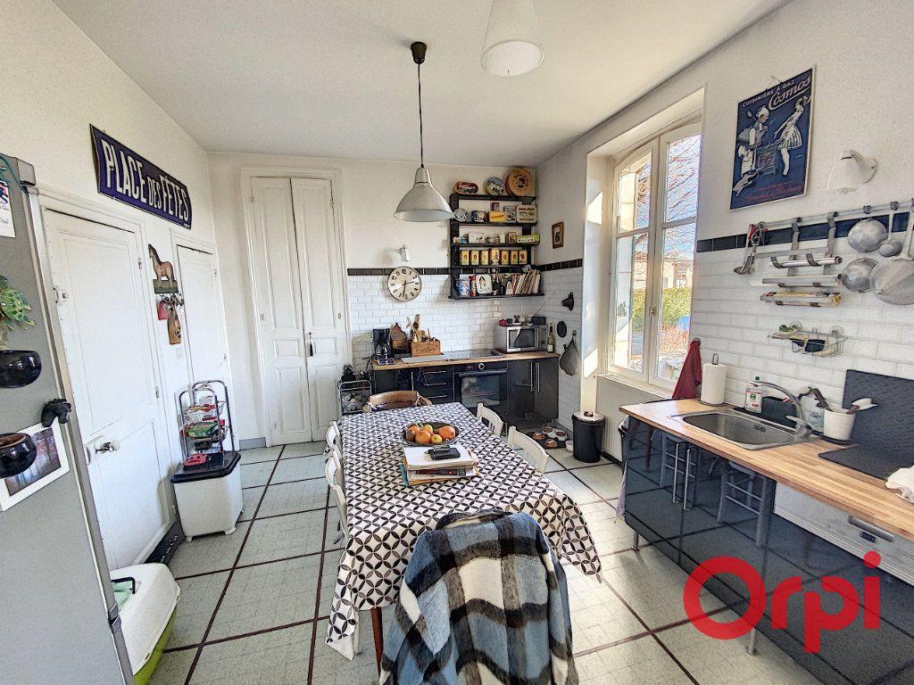 Maison à vendre 7 139.3m2 à Orval vignette-5
