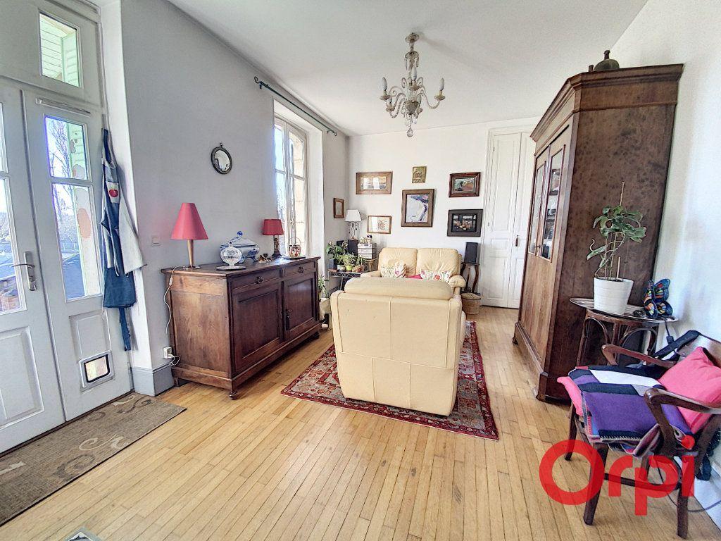 Maison à vendre 7 139.3m2 à Orval vignette-6