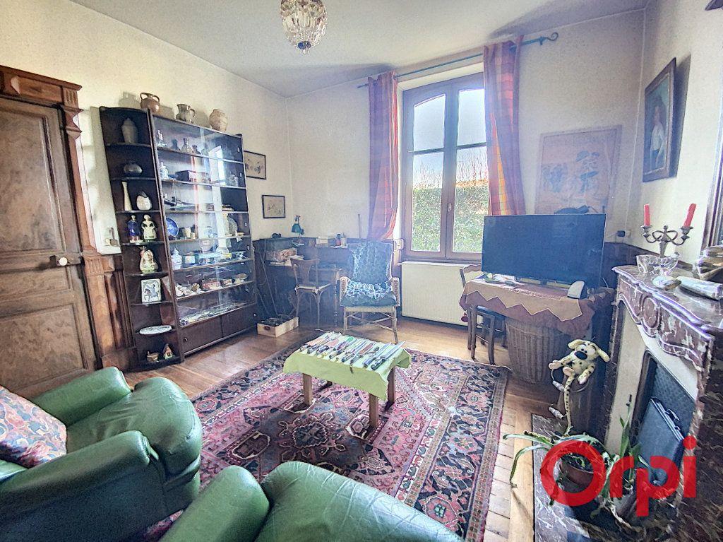 Maison à vendre 7 139.3m2 à Orval vignette-7