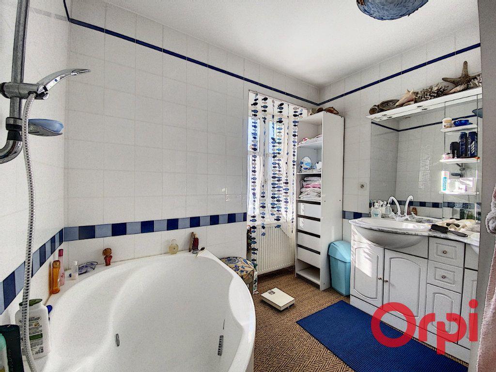 Maison à vendre 7 139.3m2 à Orval vignette-13