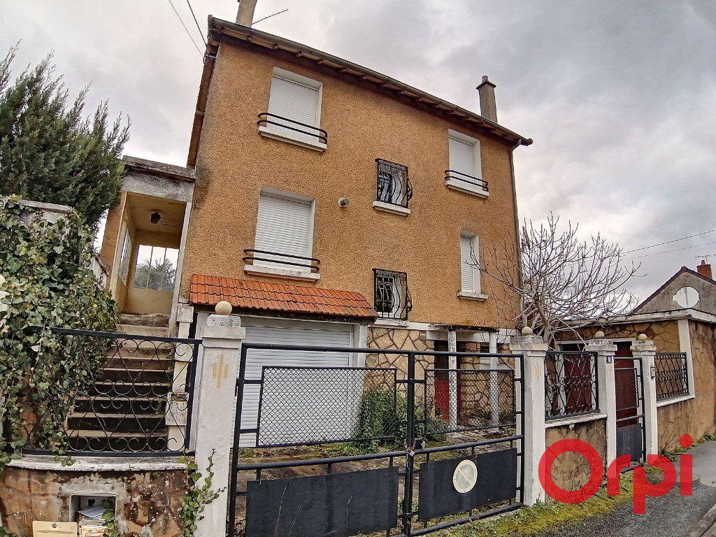 Maison à vendre 5 100m2 à Saint-Amand-Montrond vignette-1