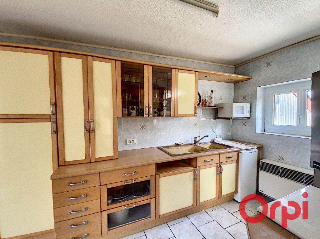 Maison à vendre 6 101m2 à Châteaumeillant vignette-3