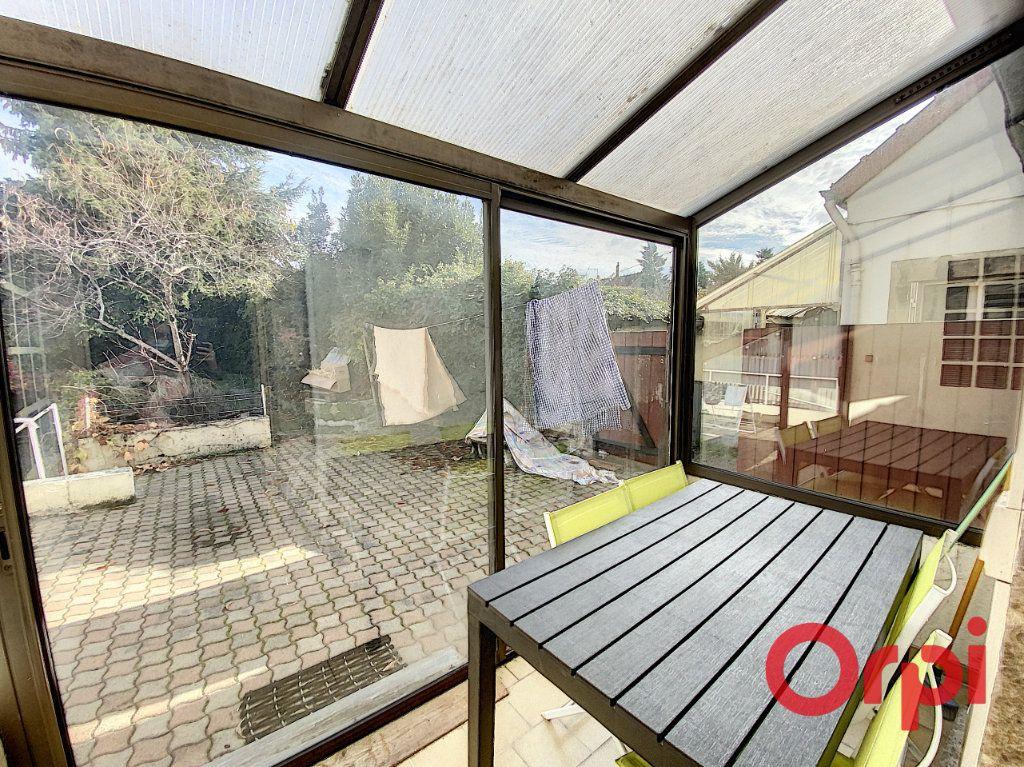 Maison à vendre 6 101m2 à Châteaumeillant vignette-5