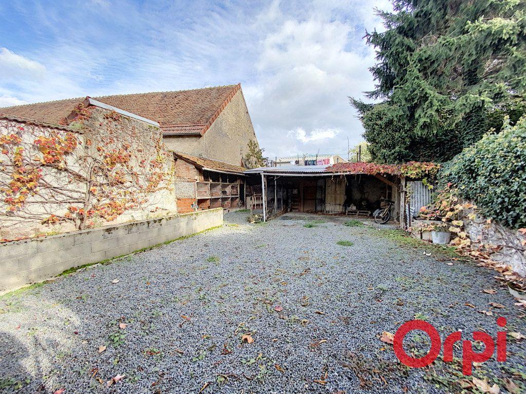 Maison à vendre 6 101m2 à Châteaumeillant vignette-6