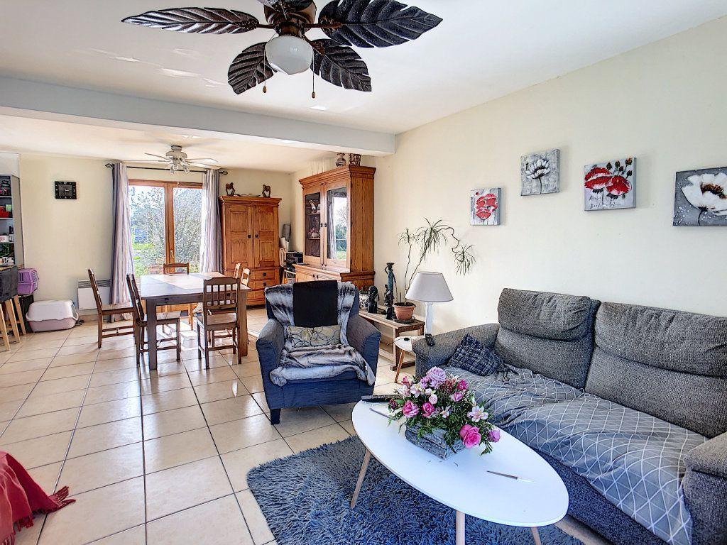 Maison à vendre 5 158.21m2 à Dun-sur-Auron vignette-2