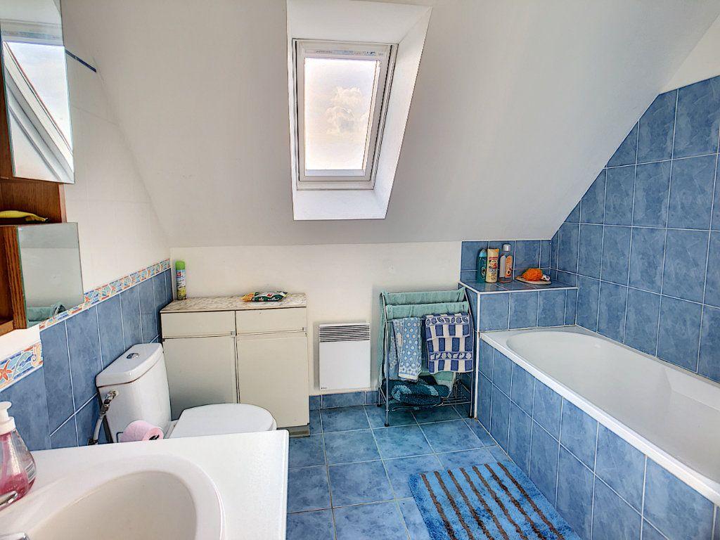 Maison à vendre 5 158.21m2 à Dun-sur-Auron vignette-8