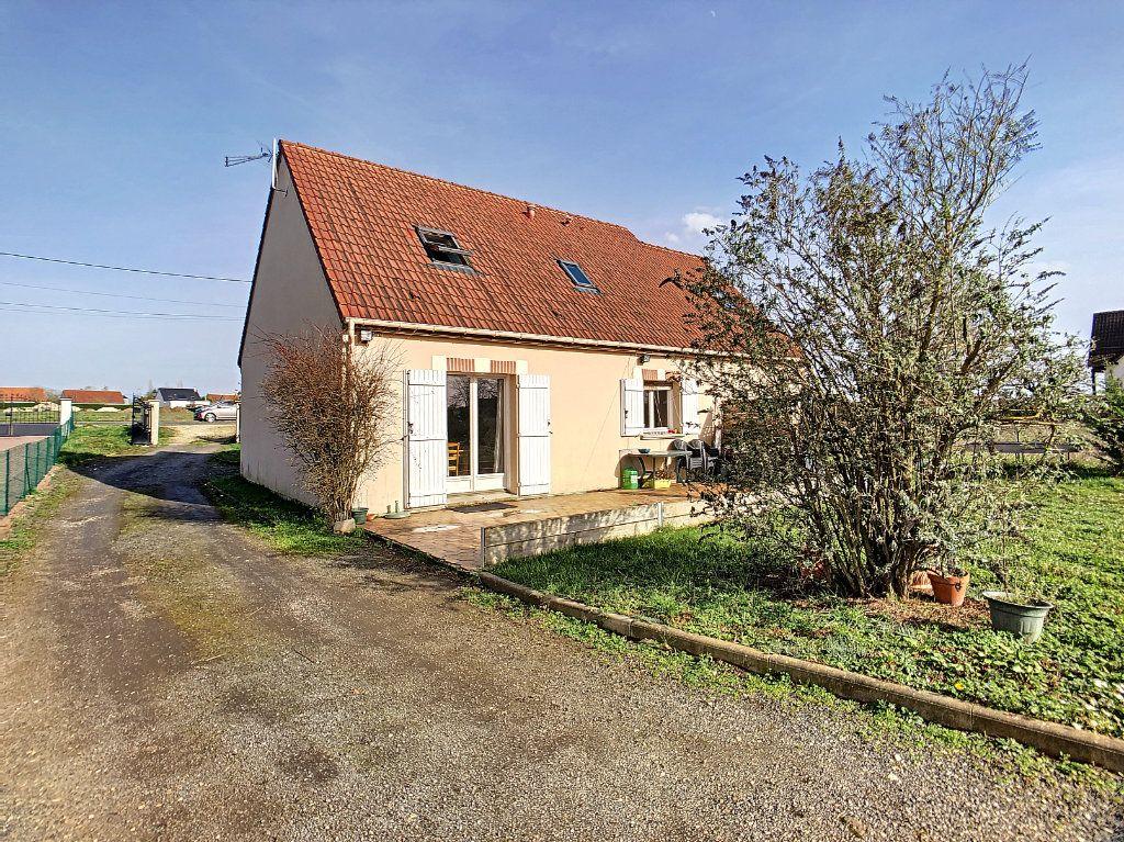 Maison à vendre 5 158.21m2 à Dun-sur-Auron vignette-11