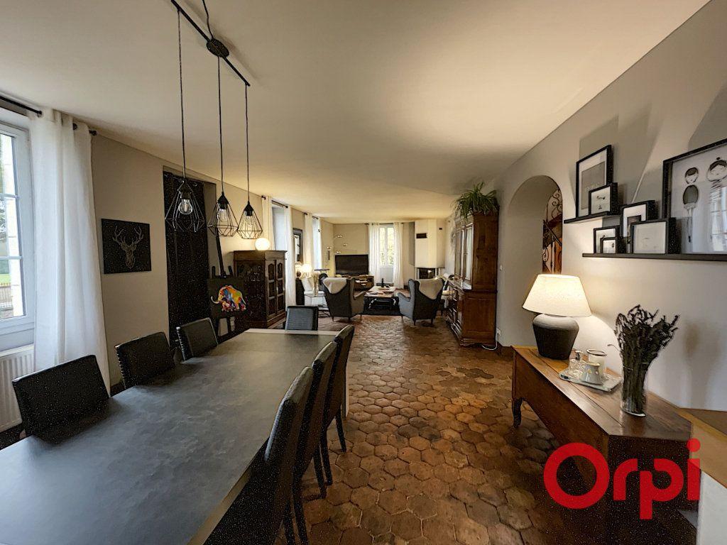 Maison à vendre 8 300m2 à Charenton-du-Cher vignette-1