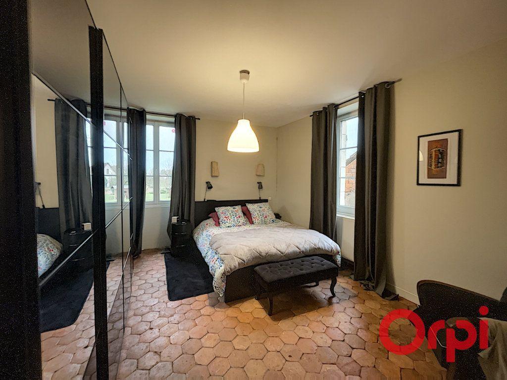 Maison à vendre 8 300m2 à Charenton-du-Cher vignette-4