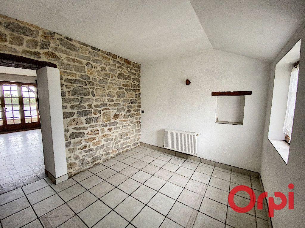 Maison à vendre 9 210m2 à Neuilly-en-Dun vignette-5