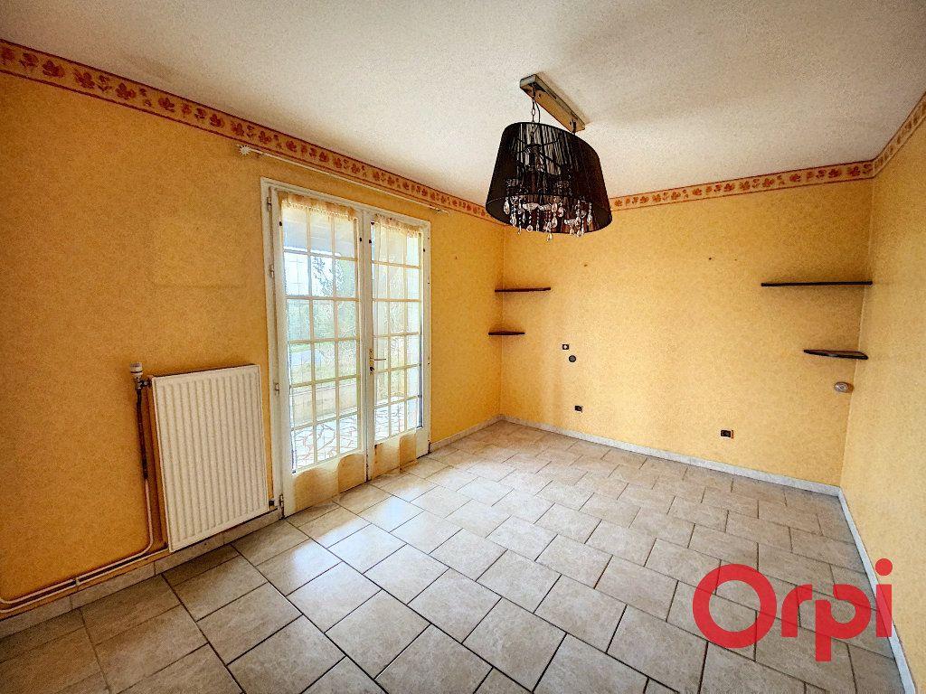Maison à vendre 9 210m2 à Neuilly-en-Dun vignette-6