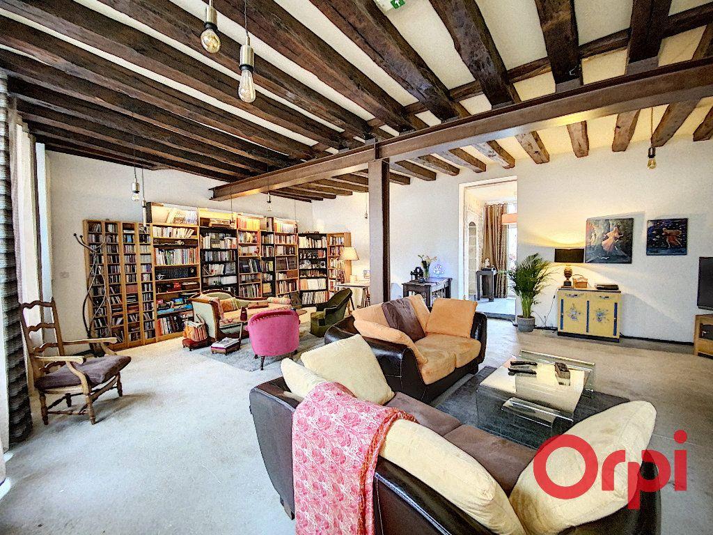 Maison à vendre 6 238m2 à Saint-Amand-Montrond vignette-6