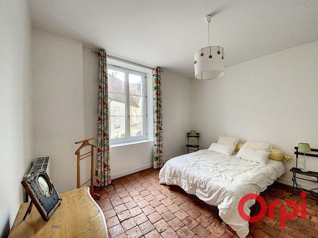 Maison à vendre 6 238m2 à Saint-Amand-Montrond vignette-8