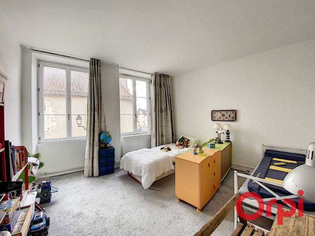 Maison à vendre 6 238m2 à Saint-Amand-Montrond vignette-10