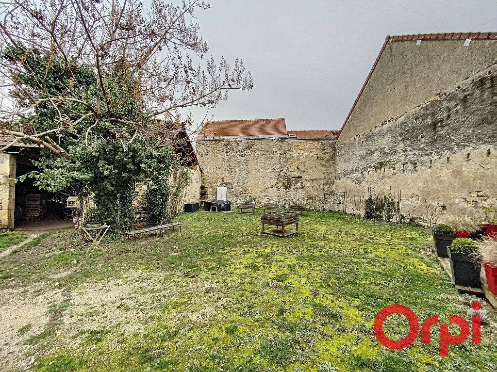 Maison à vendre 6 238m2 à Saint-Amand-Montrond vignette-16
