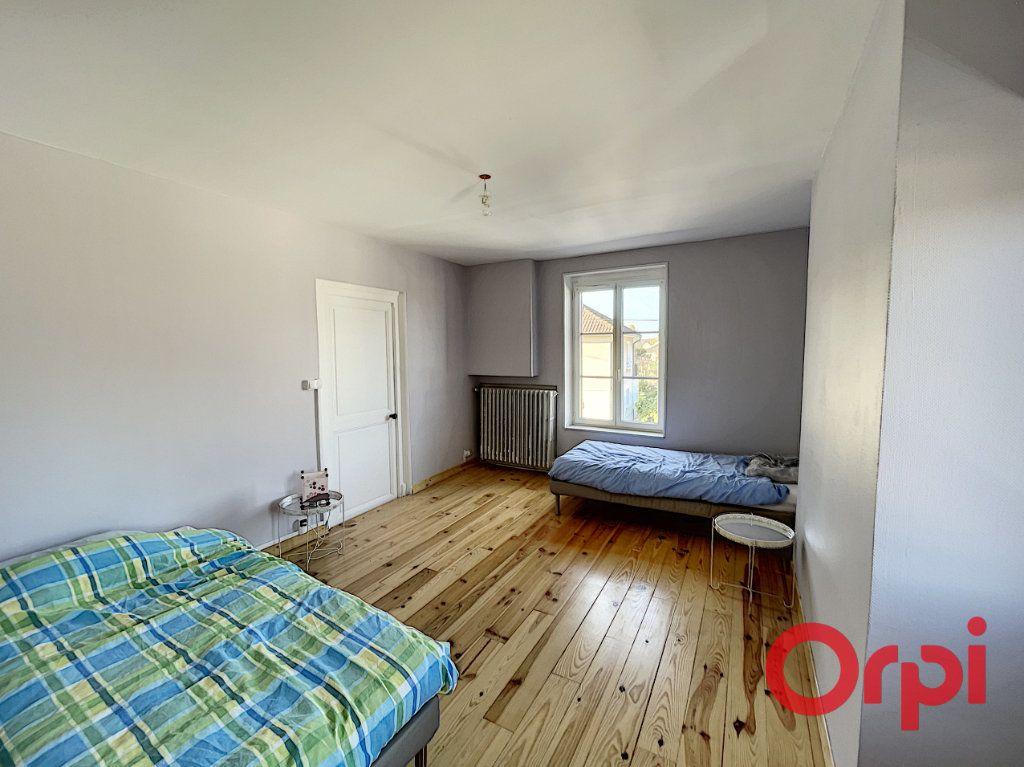 Maison à vendre 7 175m2 à Saint-Amand-Montrond vignette-8