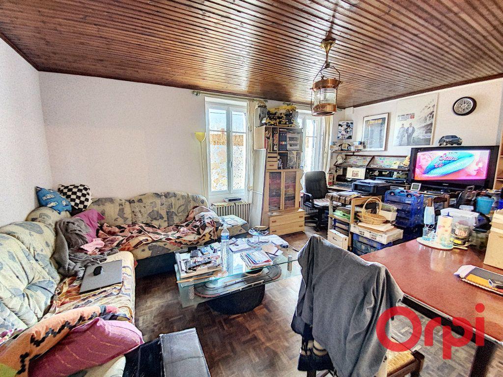Maison à vendre 3 58.7m2 à Châteaumeillant vignette-3