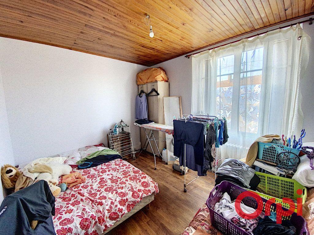 Maison à vendre 3 58.7m2 à Châteaumeillant vignette-6