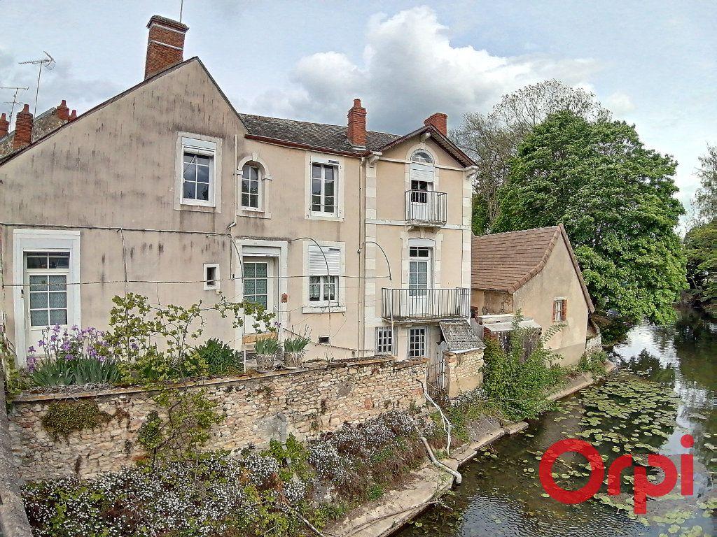 Maison à vendre 4 115.5m2 à Dun-sur-Auron vignette-1