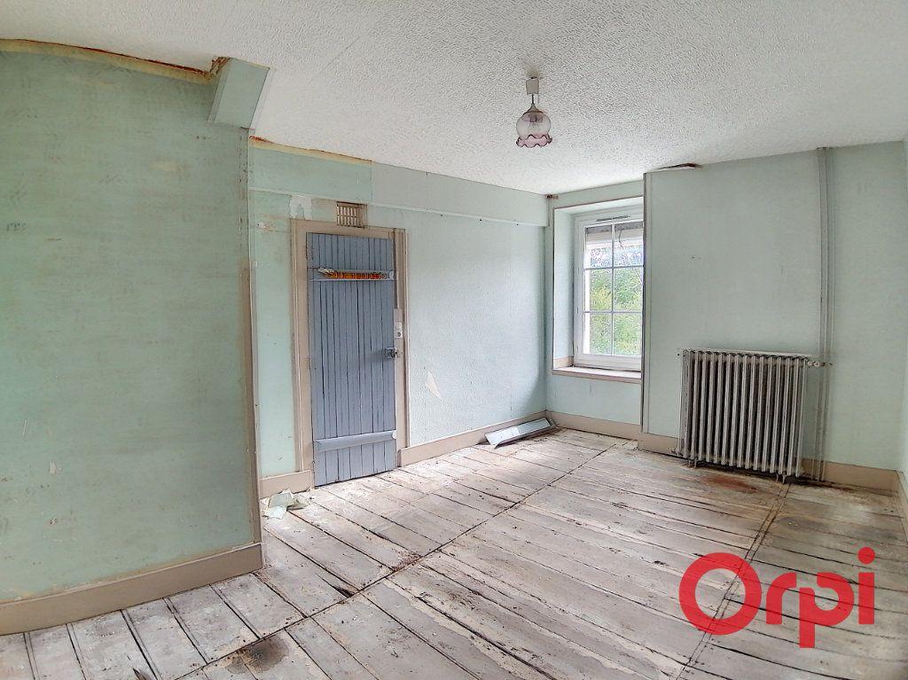 Maison à vendre 4 115.5m2 à Dun-sur-Auron vignette-4