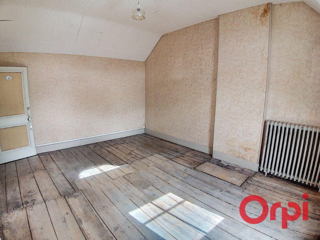 Maison à vendre 4 115.5m2 à Dun-sur-Auron vignette-5