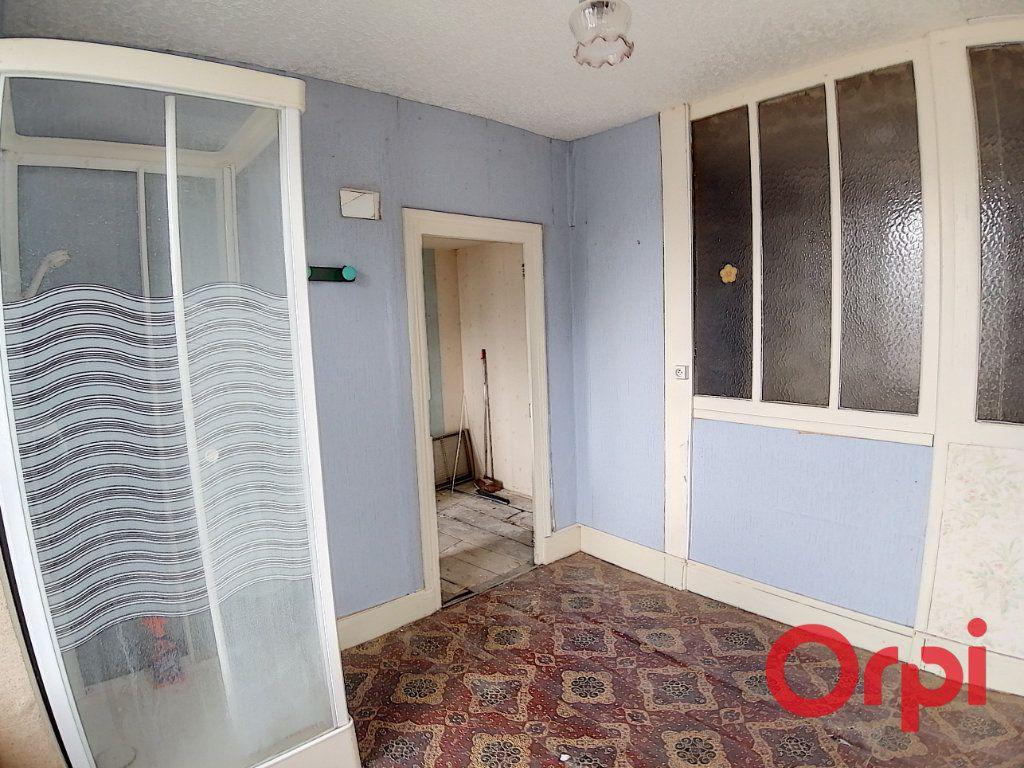 Maison à vendre 4 115.5m2 à Dun-sur-Auron vignette-6