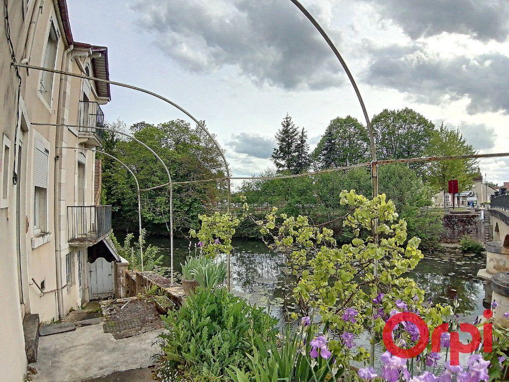 Maison à vendre 4 115.5m2 à Dun-sur-Auron vignette-7