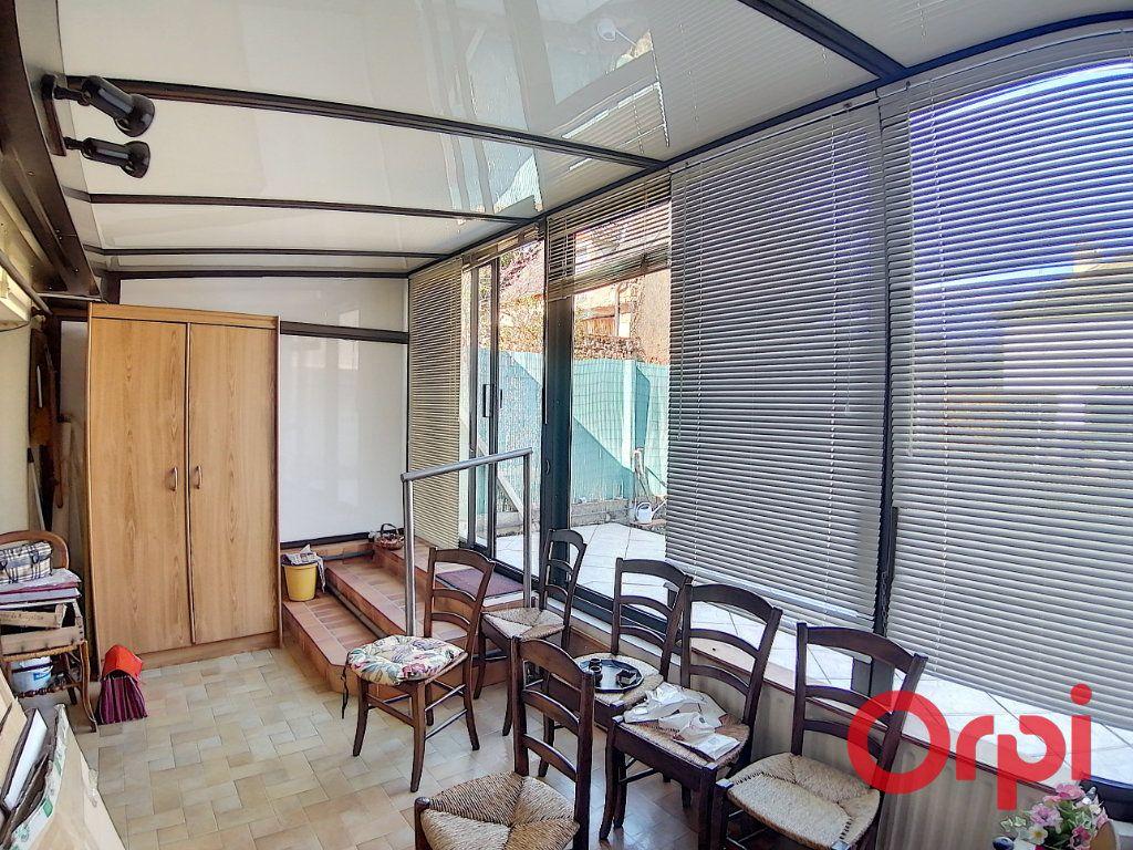 Maison à vendre 3 68.2m2 à Saint-Amand-Montrond vignette-6
