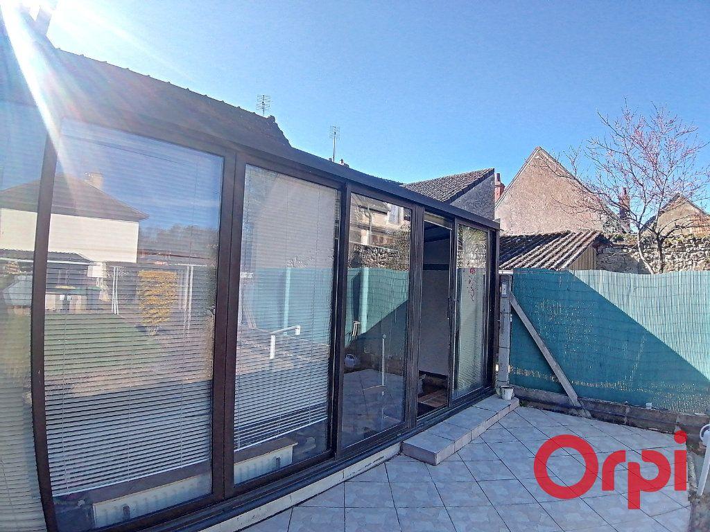 Maison à vendre 3 68.2m2 à Saint-Amand-Montrond vignette-7
