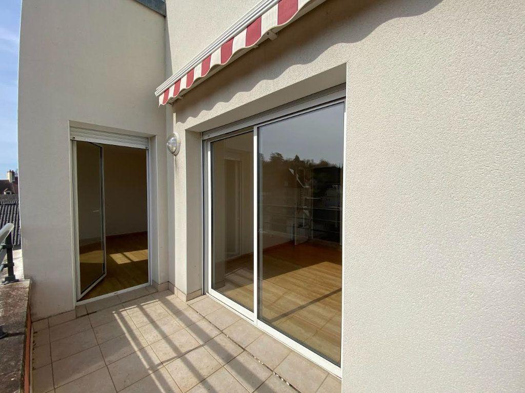 Appartement à vendre 3 70m2 à Saint-Amand-Montrond vignette-7