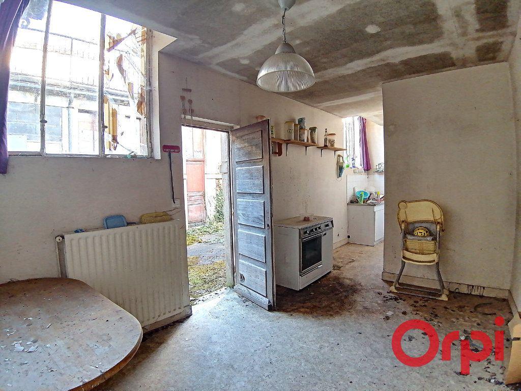 Maison à vendre 9 322m2 à Châteauneuf-sur-Cher vignette-3