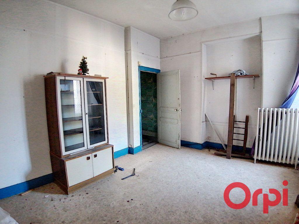 Maison à vendre 9 322m2 à Châteauneuf-sur-Cher vignette-4