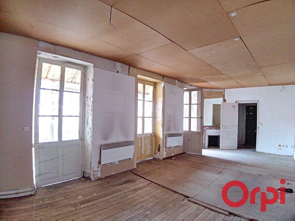 Maison à vendre 9 322m2 à Châteauneuf-sur-Cher vignette-6