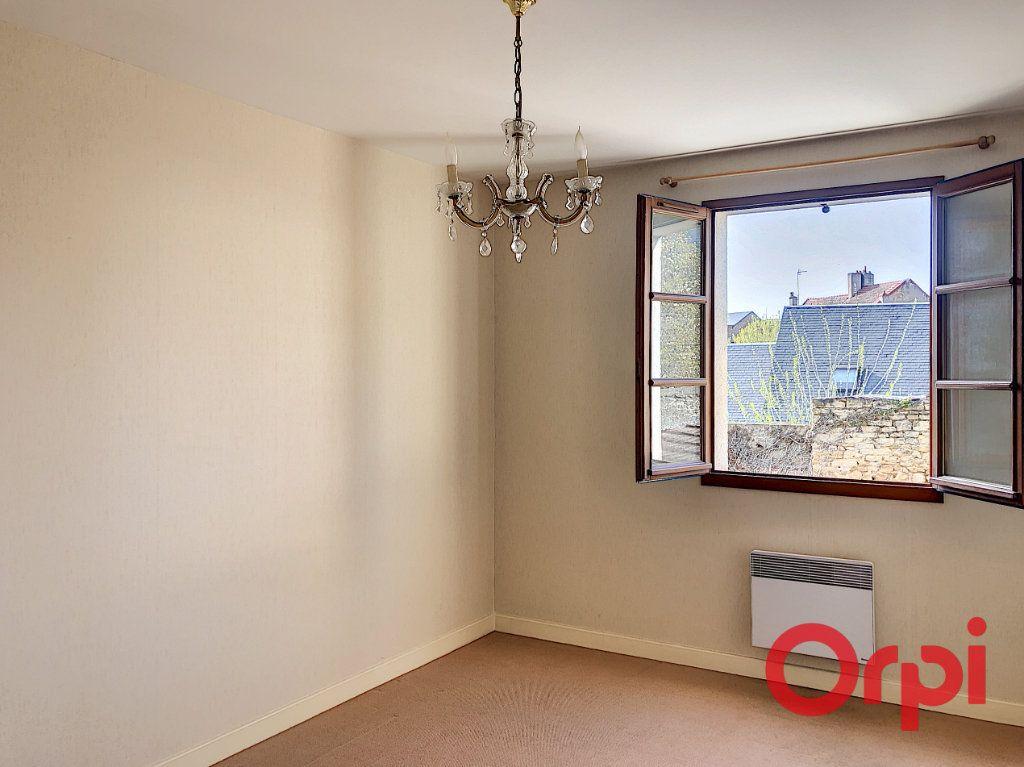 Appartement à vendre 3 76.02m2 à Saint-Amand-Montrond vignette-6