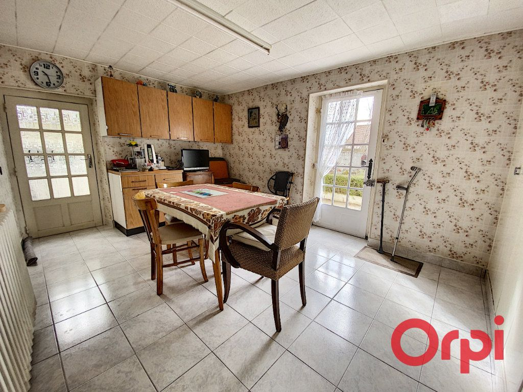 Maison à vendre 4 82m2 à Saint-Amand-Montrond vignette-3