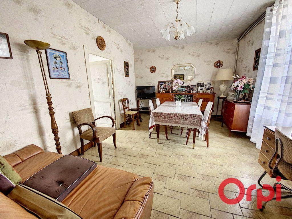 Maison à vendre 4 82m2 à Saint-Amand-Montrond vignette-4