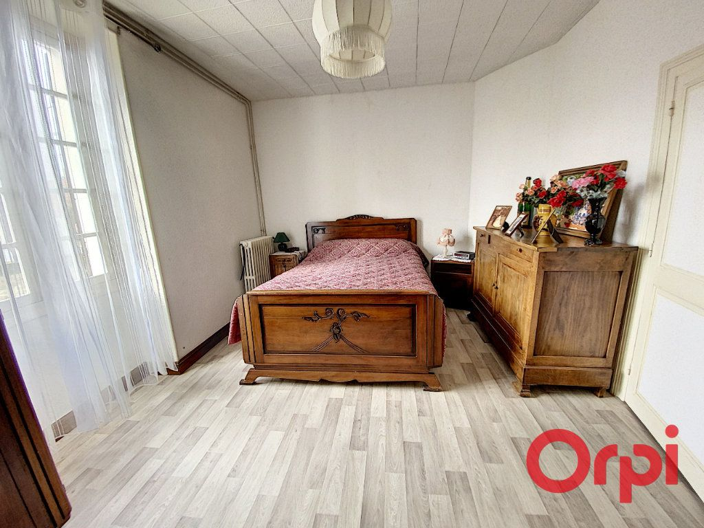 Maison à vendre 4 82m2 à Saint-Amand-Montrond vignette-6