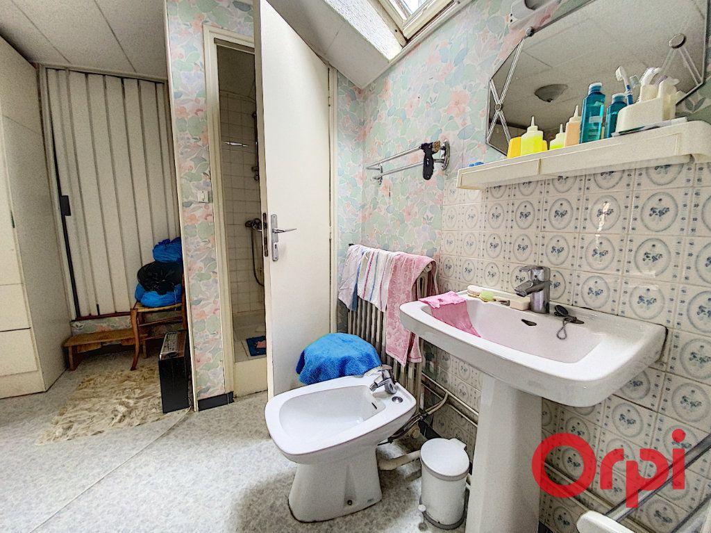 Maison à vendre 4 82m2 à Saint-Amand-Montrond vignette-9
