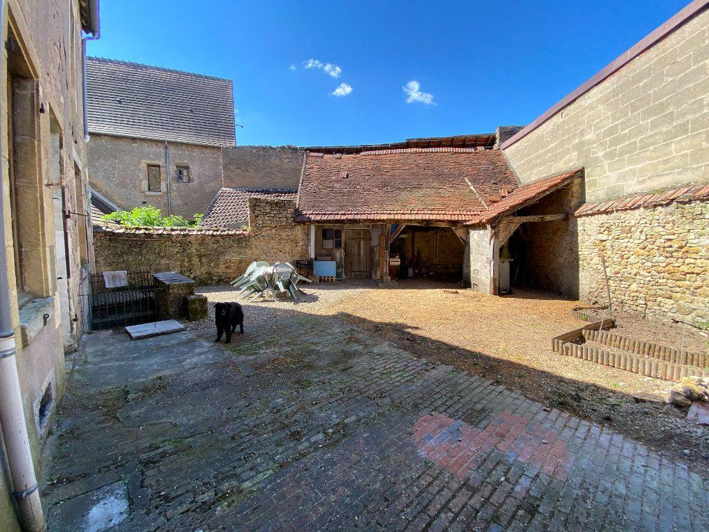 Immeuble à vendre 0 132.8m2 à Ainay-le-Château vignette-6