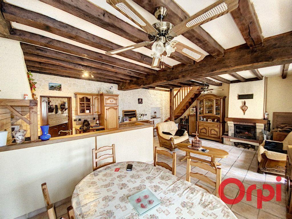 Maison à vendre 4 97m2 à Saint-Amand-Montrond vignette-2