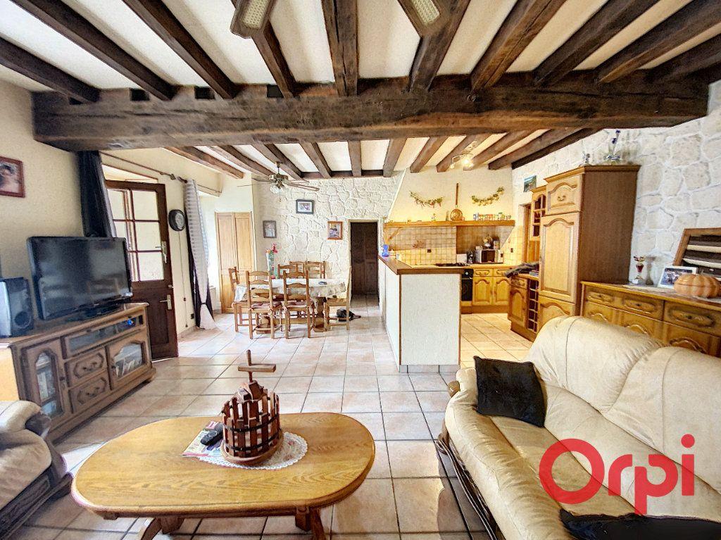 Maison à vendre 4 97m2 à Saint-Amand-Montrond vignette-3