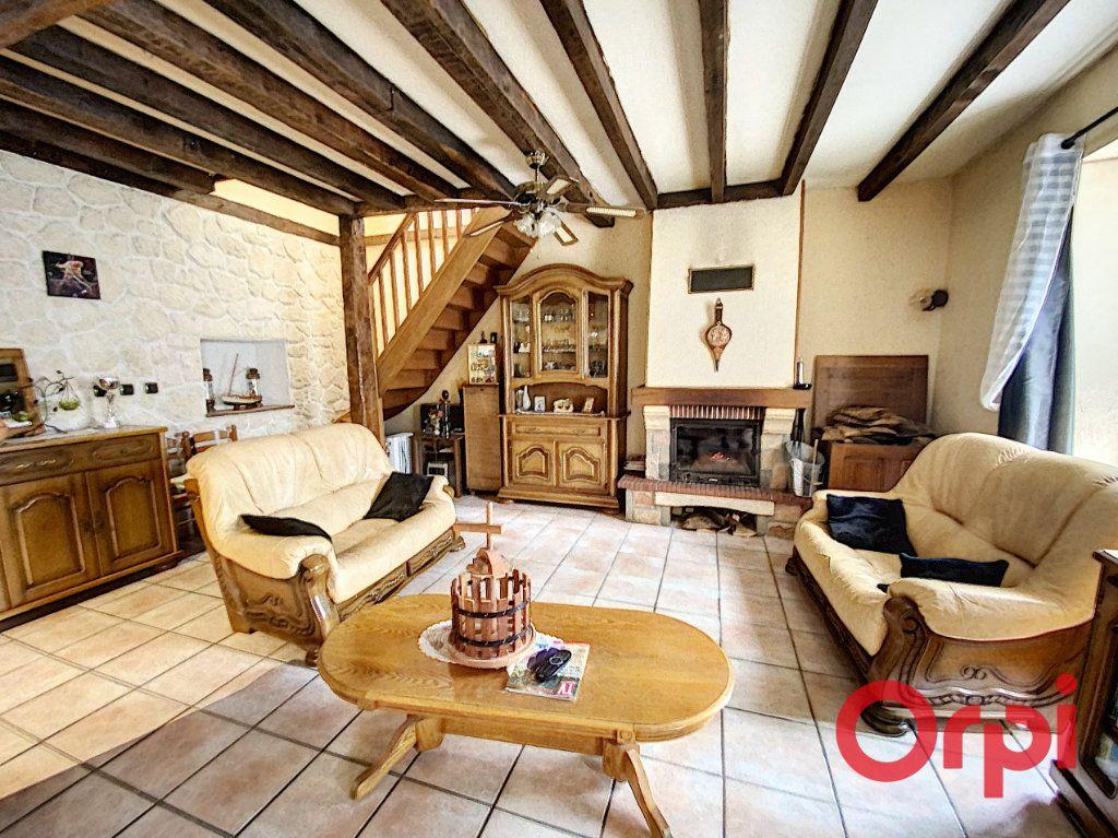 Maison à vendre 4 97m2 à Saint-Amand-Montrond vignette-4