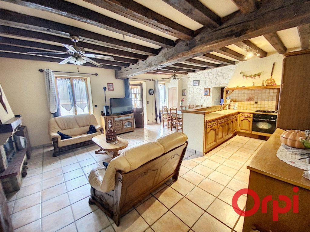Maison à vendre 4 97m2 à Saint-Amand-Montrond vignette-5
