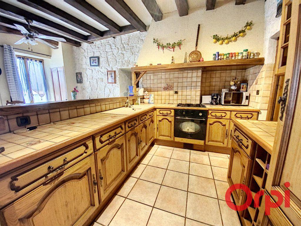 Maison à vendre 4 97m2 à Saint-Amand-Montrond vignette-6