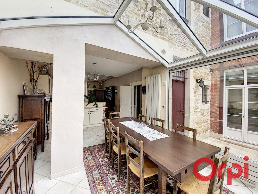 Maison à vendre 7 241m2 à Saint-Amand-Montrond vignette-3